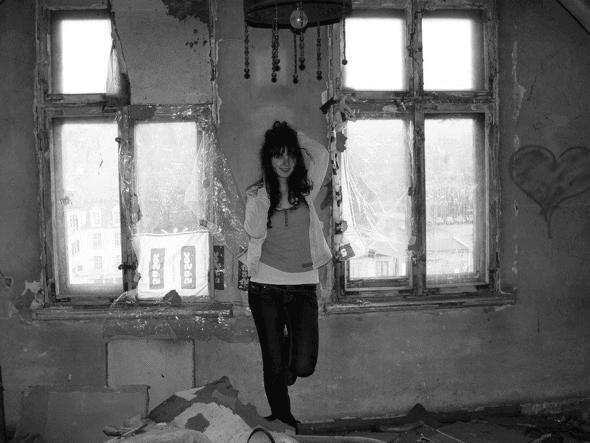Sonia w jej tanim mieszkaniu