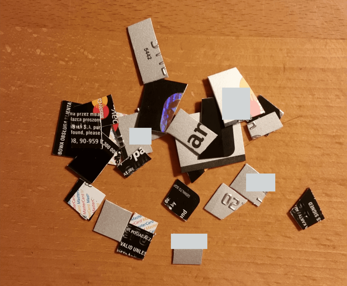 Pocięta karta kredytowa